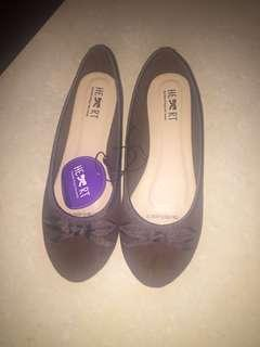 The Little Things She Needs - Flatshoes - Sz 37