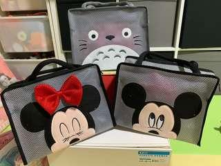 🚚 Disney waterproof travel bag