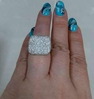 卡镶鑽石戒指