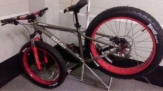Giant iride fat bike