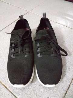 Sepatu ollahraga