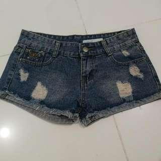 Denim shorts 25-26