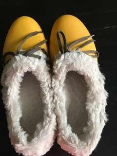 Furry Slipper Shoes Furry Crocs Yellow Winter Autumn Spring Waterproof Boots
