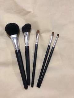 Makeup brushes 1 powder, 1 angled powder, 3 eyeshadow brushes synthetic
