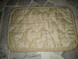 magnetic pillow mat