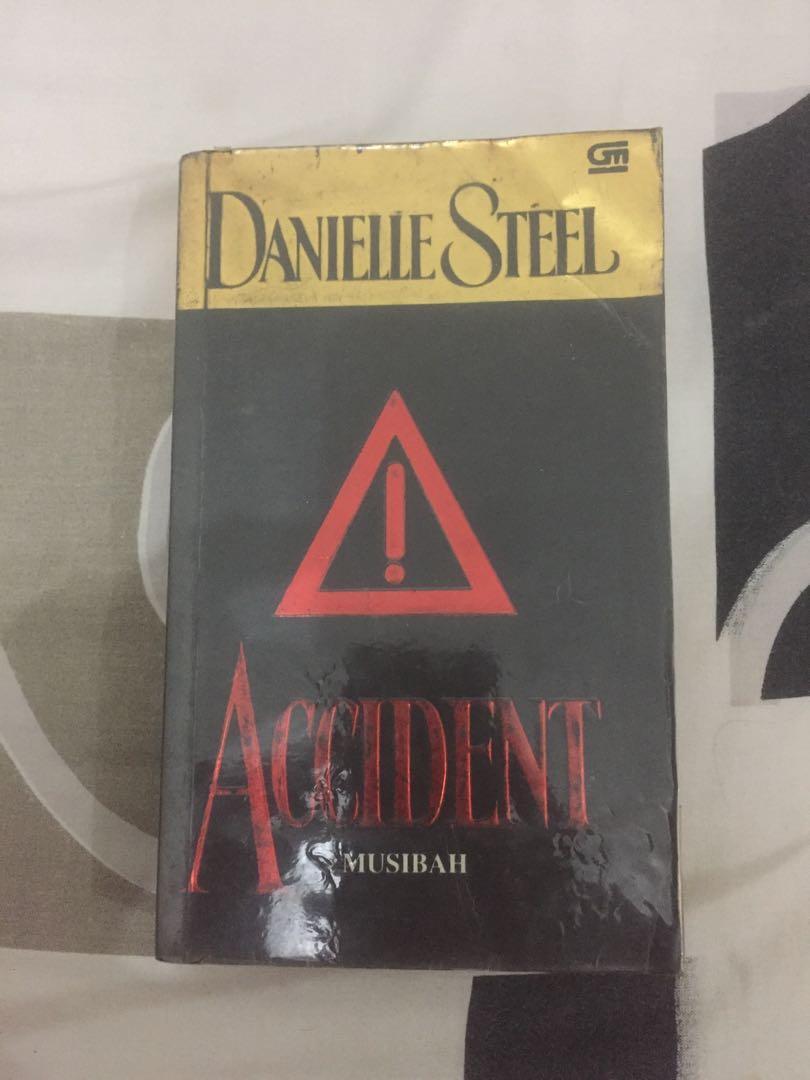 Accident (musibah) karya Danielle Steel Novel