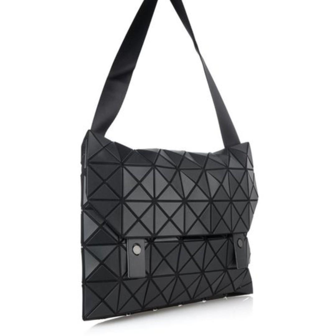 6fb6cfb9e0 Bao Bao Issey Miyake Black Prism Messenger Bag