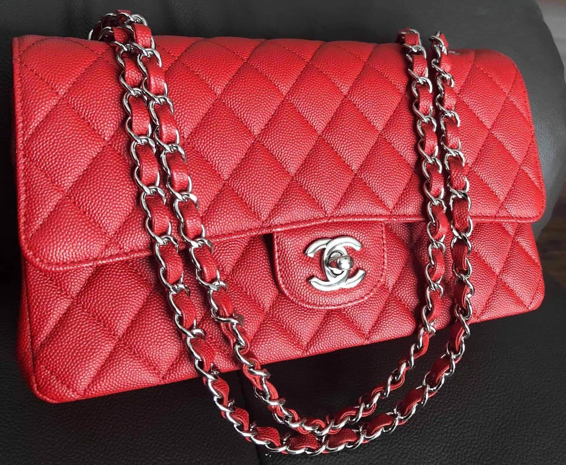 Chanel classic flap medium red caviar 05ce522e01