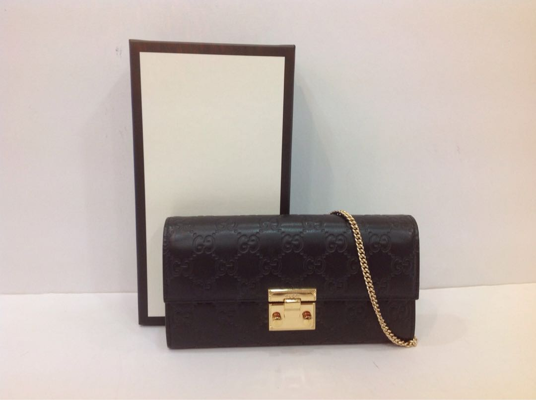 a28d6de6c6c775 GUCCI PADLOCK CONTINENTAL WALLET, Luxury, Bags & Wallets, Wallets on ...