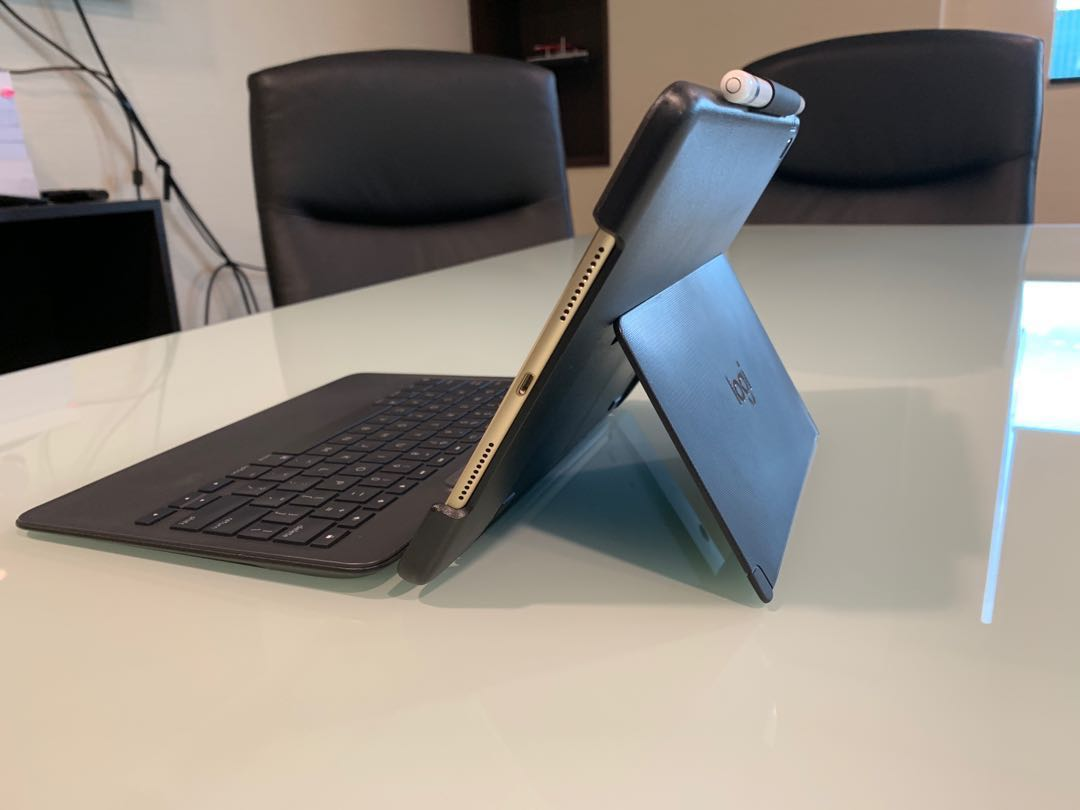 iPad Pro WiFi/256GB/10 5 +Apple Pencil+Keyboard Cover