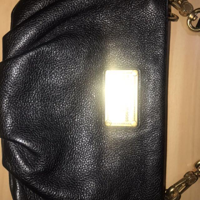 MARC JACOBS CROSS BODY LEATHER BAG RETAIL PRICE $600