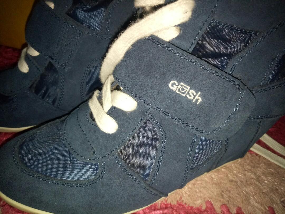 Sepatu gosh 3f5c54f3da