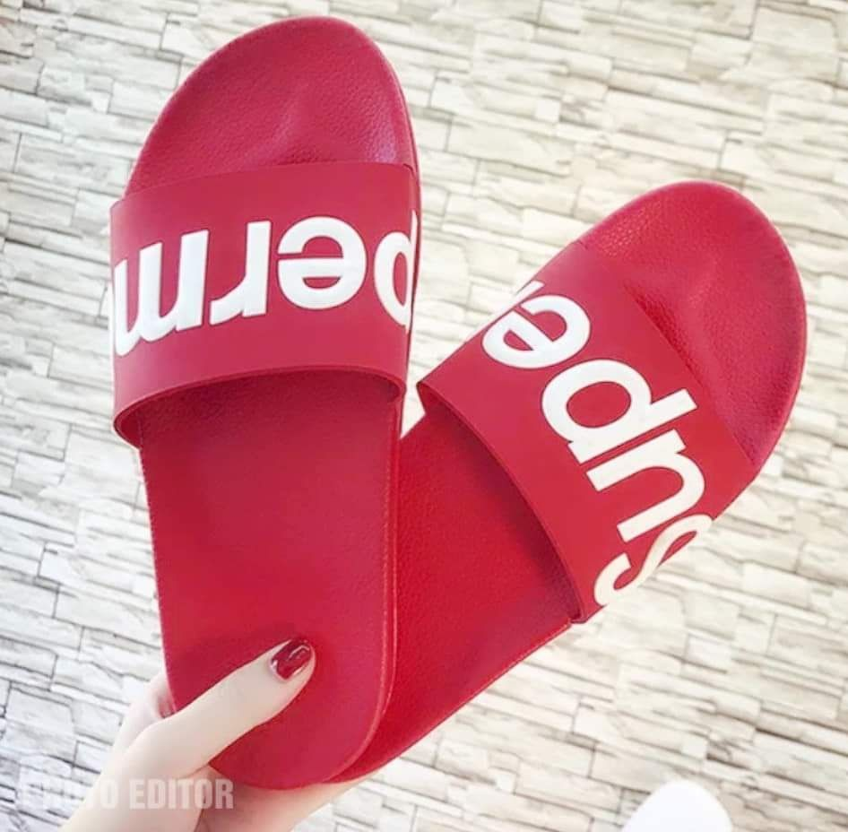 3687c04c8 SUPREME SLIPPERS, Women's Fashion, Shoes, Flats & Sandals on Carousell