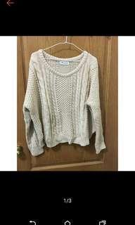 🚚 白色針織毛衣