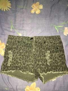 Leopard ripped shorts by XXI