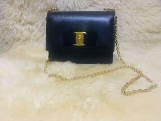 0f5395128e Pre-loved Authentic Black Salvatore Ferragamo Ginny Crossbody Bag