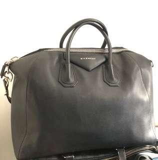 Sale❤️Authentic Large Givenchy Antigona satchel bag