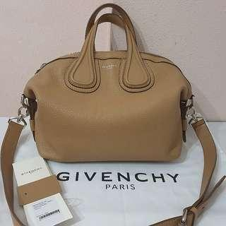 ✅LN Authentic GIVENCHY Nightingale Small in Beige SHW (bought in June 2018)