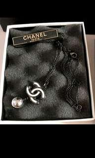 ✔Brand New Authentic CHANEL CC Pearl Necklace (black chain)