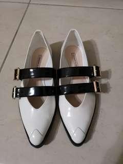 Charles&Keith 尖頭皮鞋