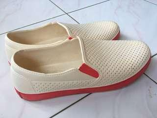 Jelly shoes putih list pink size 40