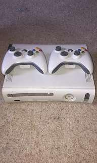 Xbox 360 // with TWO controllers