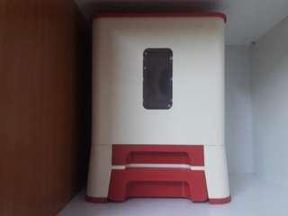 Tupperware Rice Dispenser
