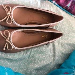 Spurr flat shoes brand new