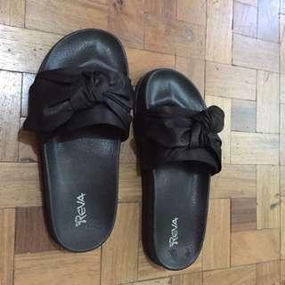 Reva Black Bow Slippers