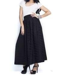KREE Zaireen pleated skirt.
