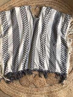 Life & Style Blanket Poncho Festival
