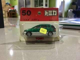 TOMICA Toyota Ipsum