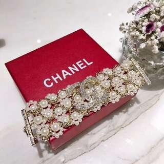 Channel bracelet 110401