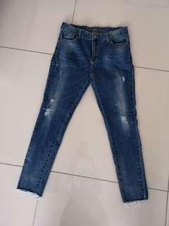 Kitschen 9 foot jeans