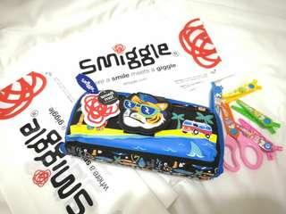 Soft case pencilcase Smiggle Brand #singles1111