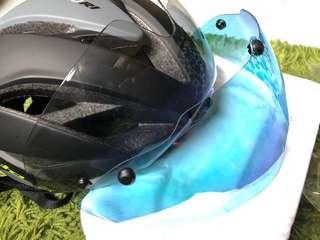 Kabuto R1 with extra blue tinted visor lens