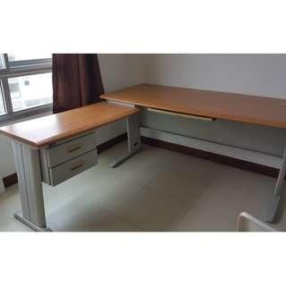 L-shape Study Table