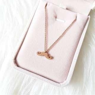 K18 Dainty Moustache Necklace in Rose Gold