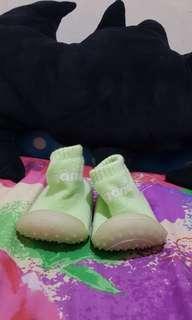 Pre walking shoes
