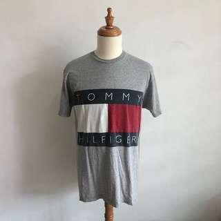 Vintage Tommy Hilfiger Big Flag Tshirt