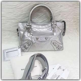 Balenciaga Mini City Silver SHW #balenciagabag#balenciagaminicity#balenciagasilver#authentic#authenticbag#secondbranded#instalike