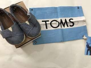 Lightly Worn Toms Classics Chambray
