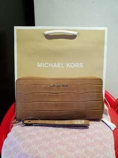 *Perfect Christmas Gift* Michael Kors Crocodile Embossed Leather Wristlet Wallet