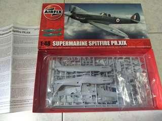 1/48 Airfix supermarine spitfire Pr.xix