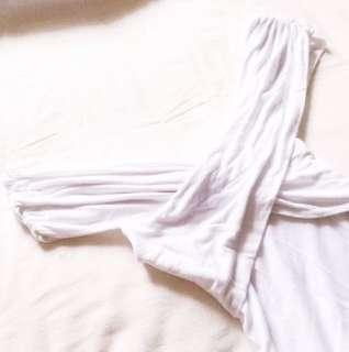 🚩RM 25🚩 [Zara] Off-shoulder Panel White Bodycon Tank.