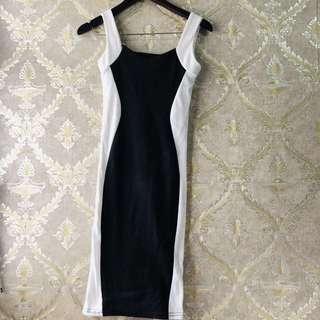 Midi Dress 3/4 Hitam Putih