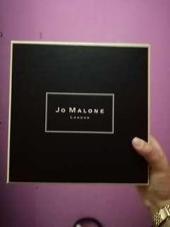 Year End Sale! Jo Malone Gift Box with Cards