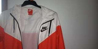 NEW Nike Windbreaker Womens Jacket