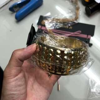 Sparkly rox bangle