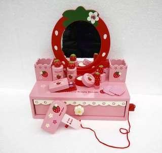 Kids strawberry dresser / make up pretend play